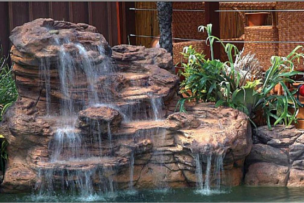 Victoria Falls Swimming Pool Waterfall Kit.