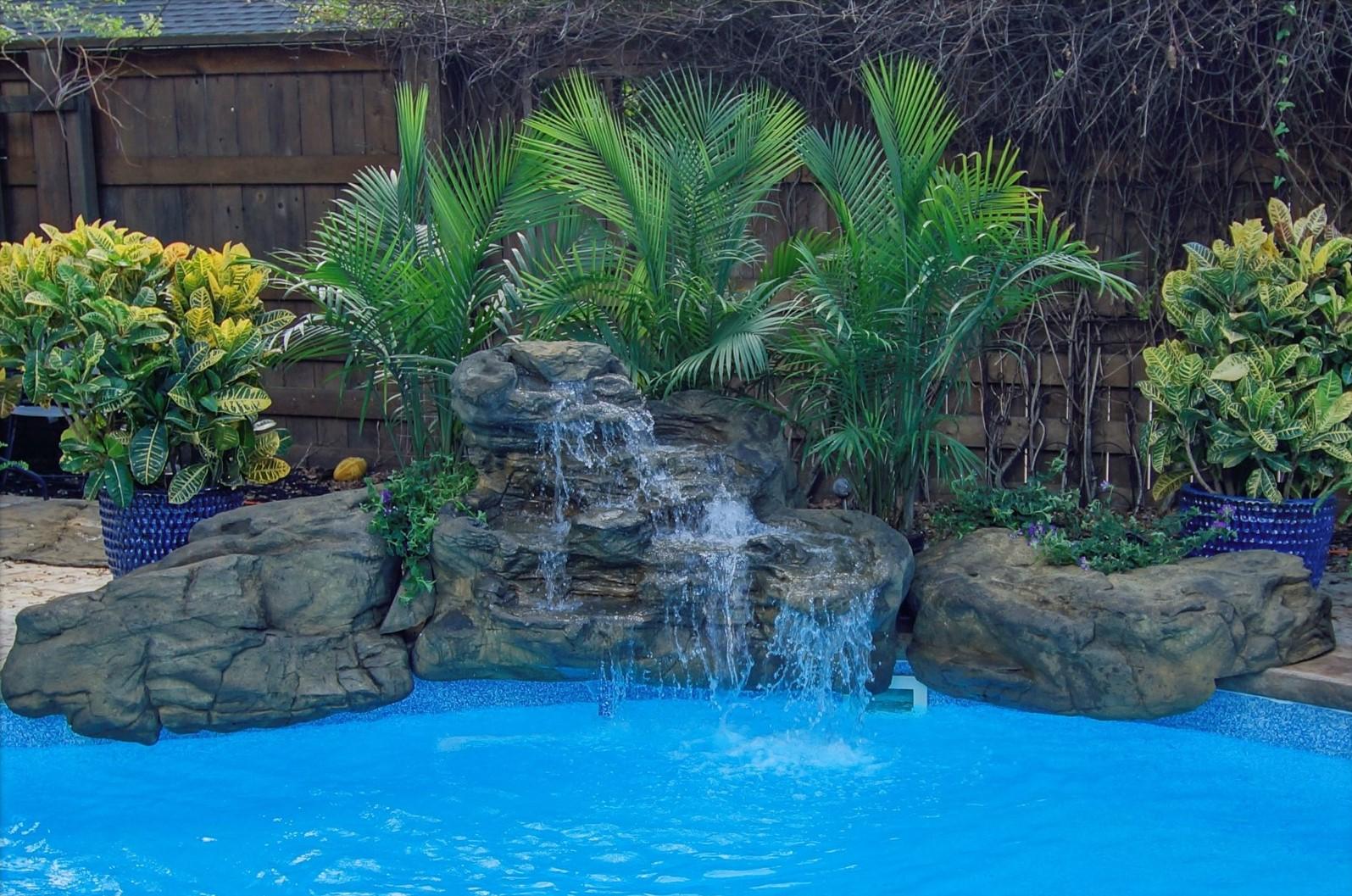Victoria Falls Swimming Pool Waterfall Kit